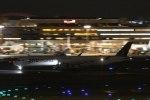 Mochi7D2さんが、羽田空港で撮影したカタール航空 A350-1041の航空フォト(写真)