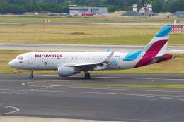 PASSENGERさんが、デュッセルドルフ国際空港で撮影したユーロウイングス A320-214の航空フォト(飛行機 写真・画像)