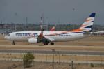IL-18さんが、マドリード・バラハス国際空港で撮影したスマート・ウイングス 737-804の航空フォト(写真)