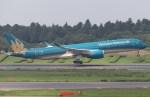 BOEING737MAX-8さんが、成田国際空港で撮影したベトナム航空 A350-941XWBの航空フォト(写真)