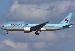 あしゅーさんが、成田国際空港で撮影した大韓航空 777-2B5/ERの航空フォト(飛行機 写真・画像)