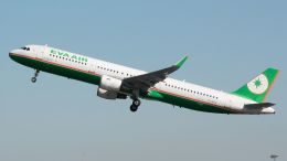 coolinsjpさんが、青島流亭国際空港で撮影したエバー航空 A321-211の航空フォト(飛行機 写真・画像)