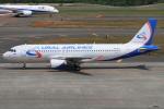 masa707さんが、新千歳空港で撮影したウラル航空 A320-214の航空フォト(写真)
