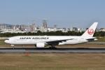 るかぬすさんが、伊丹空港で撮影した日本航空 777-289の航空フォト(写真)