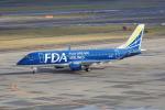 しんさんが、新千歳空港で撮影したフジドリームエアラインズ ERJ-170-200 (ERJ-175STD)の航空フォト(飛行機 写真・画像)