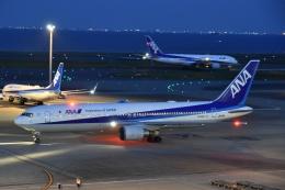 Izumixさんが、羽田空港で撮影した全日空 767-381/ERの航空フォト(飛行機 写真・画像)