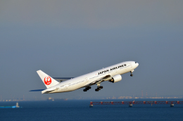 Co-pilootjeさんが、羽田空港で撮影した日本航空 777-246の航空フォト(飛行機 写真・画像)