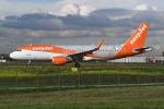 いもや太郎さんが、パリ オルリー空港で撮影したイージージェット・ヨーロッパ A320-214の航空フォト(写真)