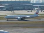 YBH44564さんが、羽田空港で撮影した日本航空 777-246の航空フォト(写真)