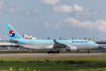Y-Kenzoさんが、成田国際空港で撮影した大韓航空 A330-223の航空フォト(写真)