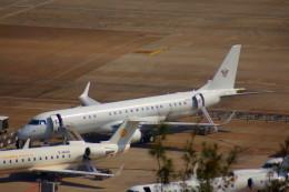 KAZKAZさんが、マカオ国際空港で撮影した中国企業所有 ERJ-190-100 ECJ (Lineage 1000)の航空フォト(飛行機 写真・画像)