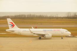 BELL602さんが、新潟空港で撮影した中国東方航空 A320-251Nの航空フォト(飛行機 写真・画像)