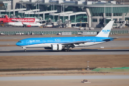 OMAさんが、仁川国際空港で撮影したKLMオランダ航空 777-206/ERの航空フォト(写真)