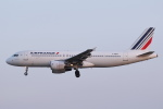 安芸あすかさんが、パリ オルリー空港で撮影したエールフランス航空 A320-214の航空フォト(写真)