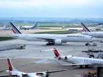 PW4090さんが、パリ オルリー空港で撮影したエールフランス航空 777-328/ERの航空フォト(写真)