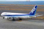 Den-Tさんが、中部国際空港で撮影した全日空 767-381の航空フォト(写真)