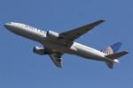 ドラパチさんが、成田国際空港で撮影したユナイテッド航空 777-222の航空フォト(写真)