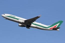 ドラパチさんが、成田国際空港で撮影したアリタリア航空 A330-202の航空フォト(飛行機 写真・画像)