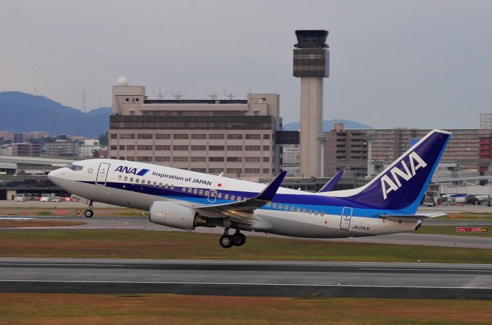 mild lifeさんの全日空 Boeing 737-700 (JA01AN) 航空フォト
