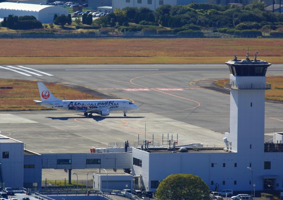 タミーさんのジェイエア Embraer 170 (JA225J) 航空フォト