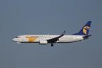 KAZFLYERさんが、成田国際空港で撮影したMIATモンゴル航空 737-8ALの航空フォト(飛行機 写真・画像)