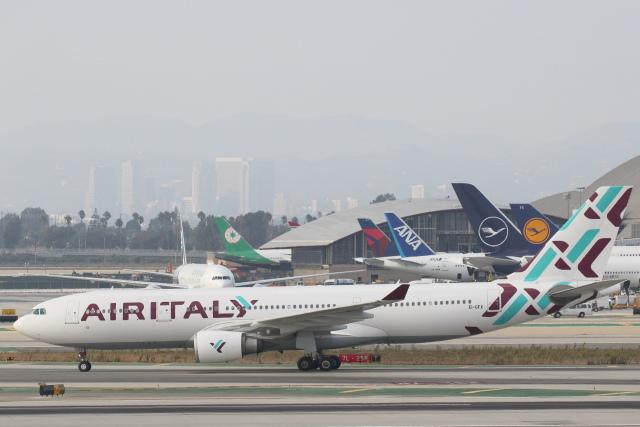 安芸あすかさんが、ロサンゼルス国際空港で撮影したエア・イタリー A330-202の航空フォト(飛行機 写真・画像)