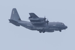 Koenig117さんが、嘉手納飛行場で撮影したアメリカ空軍 MC-130J Herculesの航空フォト(飛行機 写真・画像)