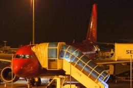 KAZKAZさんが、マカオ国際空港で撮影した吉祥航空 A321-211の航空フォト(飛行機 写真・画像)