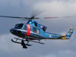 ここはどこ?さんが、札幌飛行場で撮影した北海道警察 412EPの航空フォト(飛行機 写真・画像)