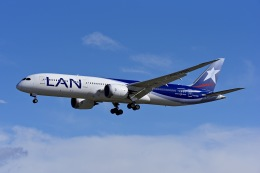 Frankspotterさんが、マドリード・バラハス国際空港で撮影したラタム・エアラインズ・チリ 787-9の航空フォト(飛行機 写真・画像)