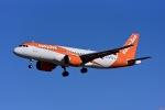 Frankspotterさんが、マドリード・バラハス国際空港で撮影したイージージェット A320-251Nの航空フォト(飛行機 写真・画像)