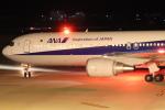 小型機専門家さんが、高知空港で撮影した全日空 767-381/ERの航空フォト(写真)