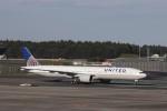KAZFLYERさんが、成田国際空港で撮影したユナイテッド航空 777-322/ERの航空フォト(写真)