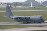 Mr.boneさんが、嘉手納飛行場で撮影したアメリカ空軍 MC-130Pの航空フォト(写真)