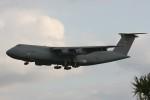 Mr.boneさんが、嘉手納飛行場で撮影したアメリカ空軍 C-5B Galaxyの航空フォト(写真)