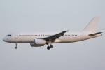 安芸あすかさんが、パリ オルリー空港で撮影したラヒラ・エアラインズ A320-232の航空フォト(写真)