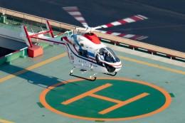 あきらっすさんが、朝日新聞東京本社ヘリポートで撮影した朝日新聞社 MD 900/902の航空フォト(写真)