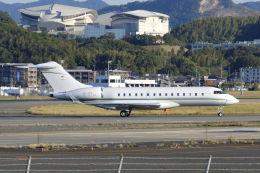 mocohide☆さんが、福岡空港で撮影したスイス企業所有 BD-700-1A10 Global 6000の航空フォト(飛行機 写真・画像)