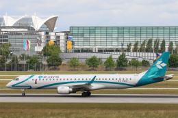 安芸あすかさんが、ミュンヘン・フランツヨーゼフシュトラウス空港で撮影したエア・ドロミティ ERJ-190-200 LR (ERJ-195LR)の航空フォト(飛行機 写真・画像)