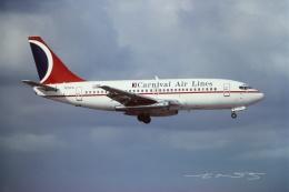 tassさんが、フォートローダーデール・ハリウッド国際空港で撮影したカーニバル・エアラインズ 737-205/Advの航空フォト(飛行機 写真・画像)