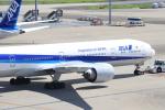 ぼのさんが、羽田空港で撮影した全日空 777-381/ERの航空フォト(写真)