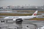 セッキーさんが、羽田空港で撮影した日本航空 777-246の航空フォト(飛行機 写真・画像)