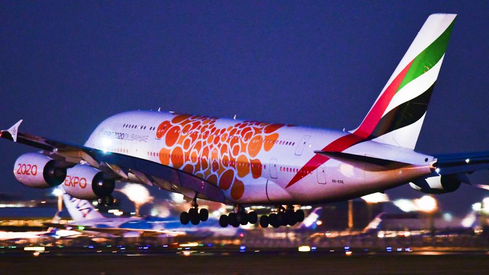 パンダさんのエミレーツ航空 Airbus A380 (A6-EOE) 航空フォト