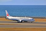 Jin Bergqiさんが、中部国際空港で撮影した日本航空 737-846の航空フォト(写真)
