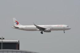 kuro2059さんが、香港国際空港で撮影した中国東方航空 A321-231の航空フォト(写真)
