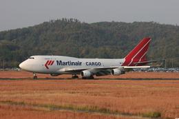 しょうせいさんが、岡山空港で撮影したマーティンエアー 747-412(BCF)の航空フォト(飛行機 写真・画像)