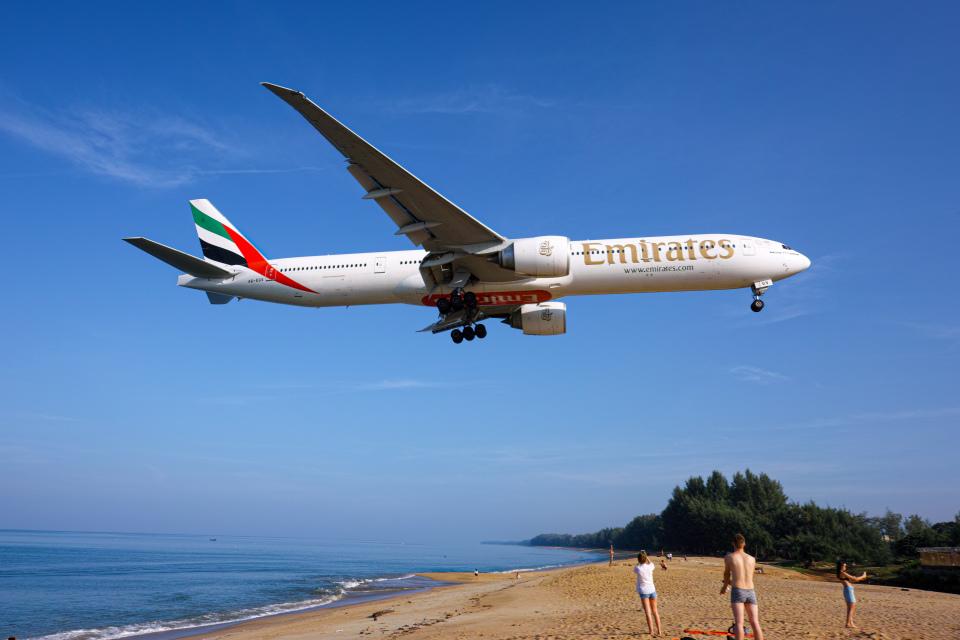 delawakaさんのエミレーツ航空 Boeing 777-300 (A6-EGV) 航空フォト