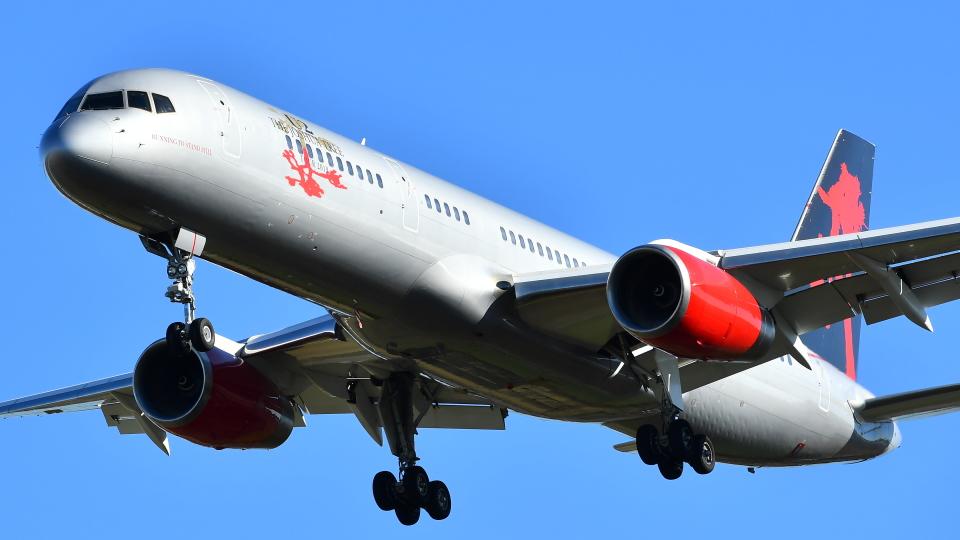 flytaka78さんのジェットマジック Boeing 757-200 (9H-AVM) 航空フォト