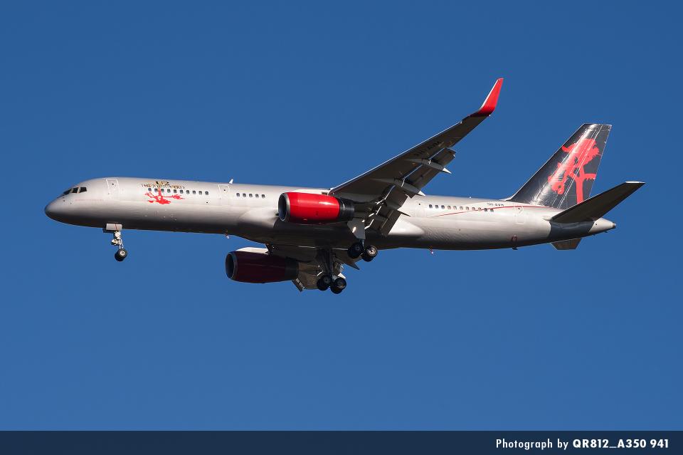 kina309さんのジェットマジック Boeing 757-200 (9H-AVM) 航空フォト