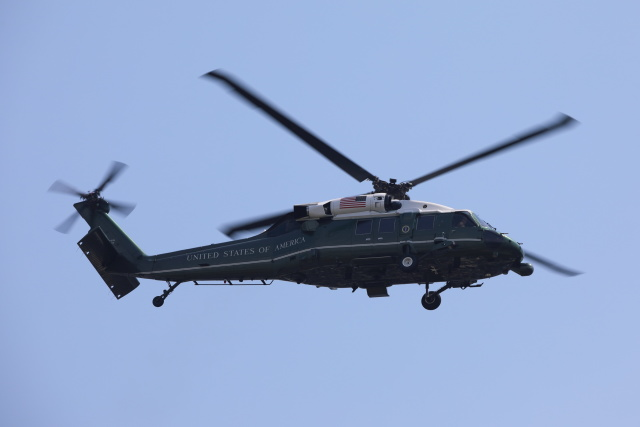べにやさんが、赤坂プレスセンターで撮影したアメリカ海兵隊 VH-60N White Hawk (S-70A)の航空フォト(飛行機 写真・画像)